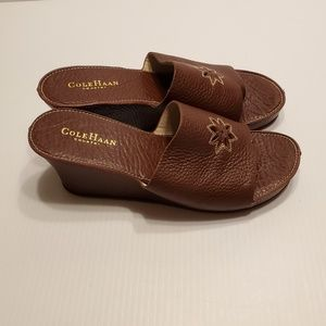 Cole Haan Country Sandals Brown Pebbled Leather